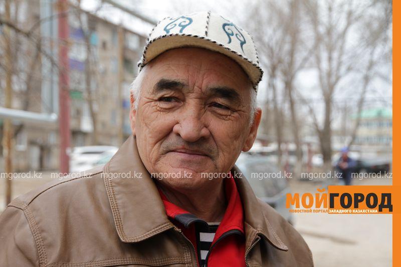 Новости Уральск - Пенсионеру из Уральска грозят штрафами за полив деревьев, посаженных во дворе Мухамбет Кусаинов