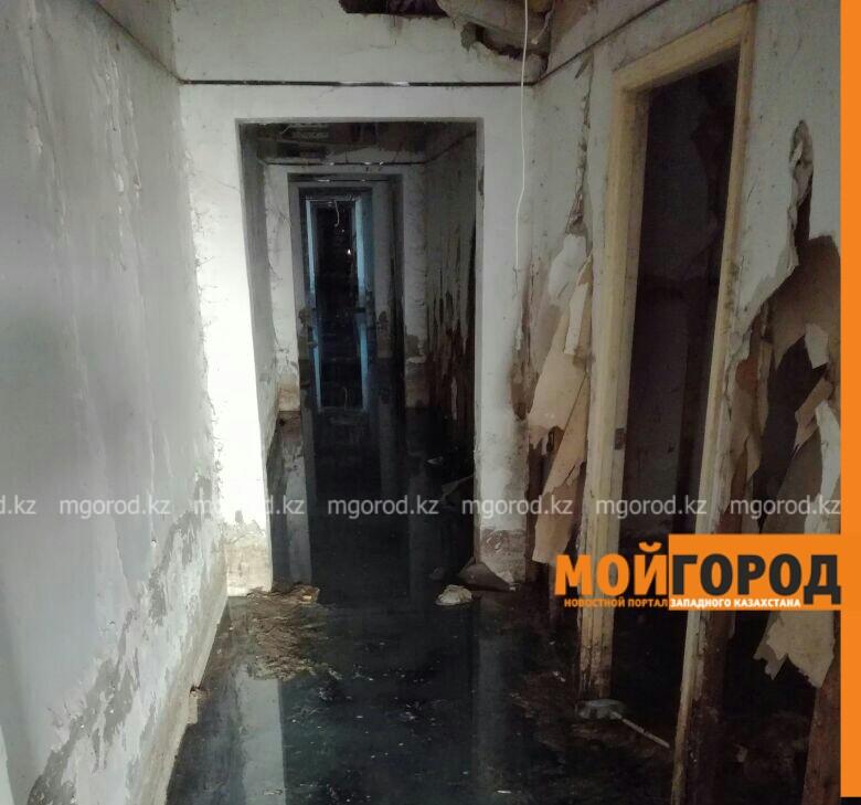 Десять лет подвал многоэтажки в Атырау топит грунтовыми водами PicsArt_04-04-03.35.42