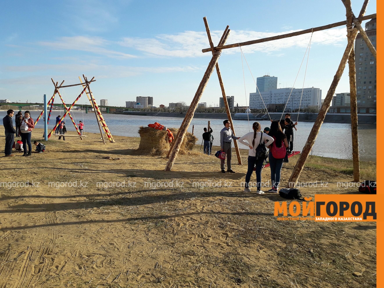 На набережной Атырау построили целый этноаул PicsArt_04-19-10.21.38