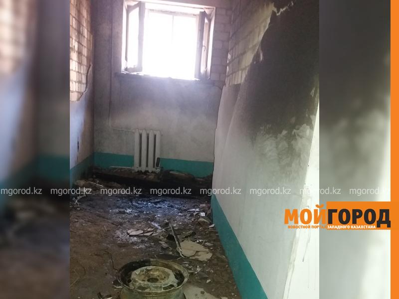 Новости Уральск - 30 жильцов многоэтажки эвакуировали из-за горящего холодильника в Уральске pozhar_mg-3