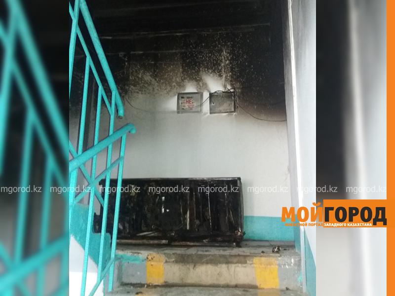 Новости Уральск - 30 жильцов многоэтажки эвакуировали из-за горящего холодильника в Уральске pozhar_mg-4