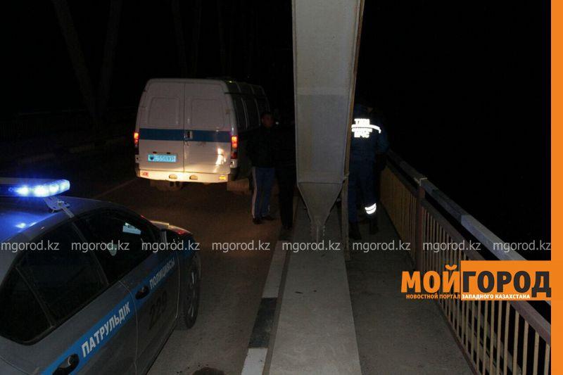 Несовершеннолетняя разбилась насмерть, упав с моста в Уральске