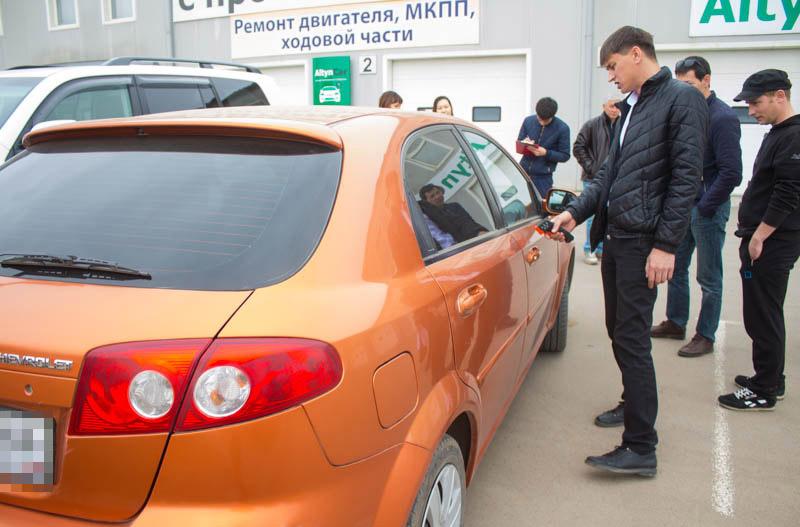 Новости Уральск - Первый в Казахстане салон автомобилей с пробегом открылся в Уральске ural-krov_mg (3)