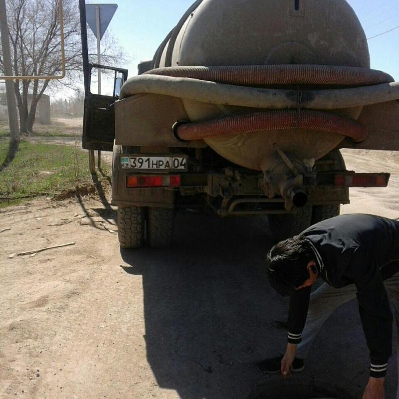 Новости Актобе - В Актобе ассенизаторские машины сливают нечистоты в черте города 2