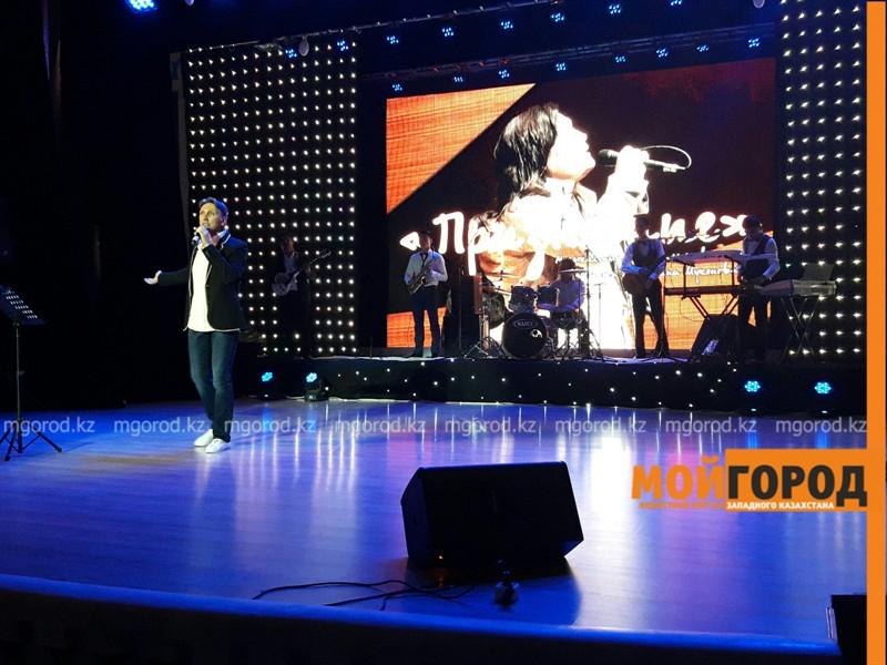 Новости - На концерте памяти Батырхана Шукенова в Атырау зрители пели стоя PicsArt_05-19-08.05.10