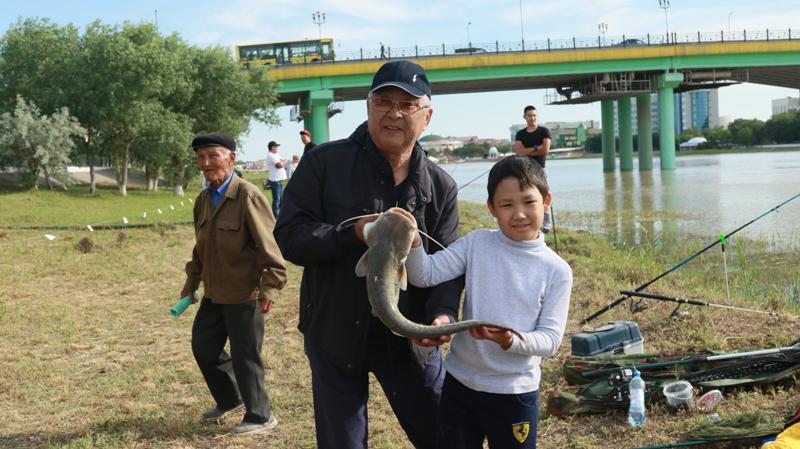 Новости Атырау - 9-летний мальчик стал лучшим в соревнованиях по спортивной рыбалке в Атырау 174A0109