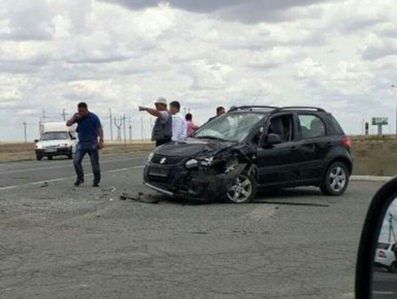 В Атырау столкнулись сразу три автомобиля Фото с zello_atyrau