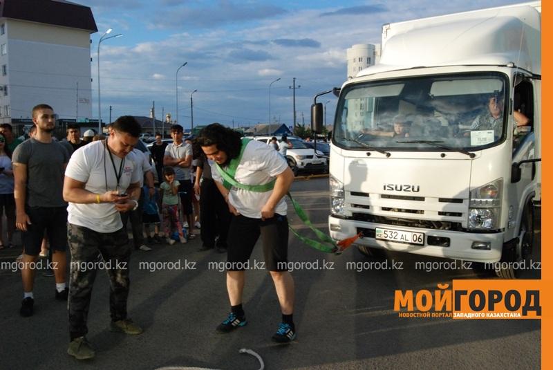 Новости Атырау - Атырауский силач перетянул 5-тонный грузовик за 16 секунд DSC_1432