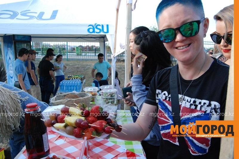 Новости Атырау - Жареное мороженое ели гости Фестиваля еды в Атырау DSC_1550