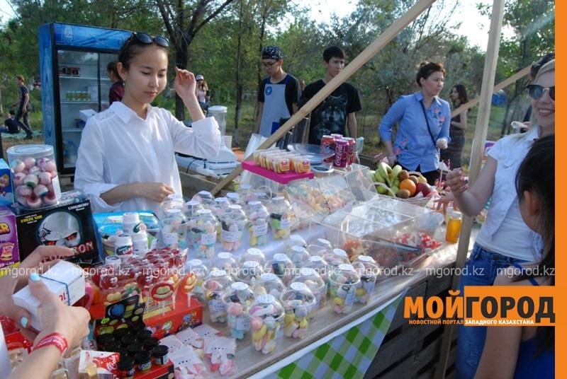 Новости Атырау - Жареное мороженое ели гости Фестиваля еды в Атырау DSC_1553