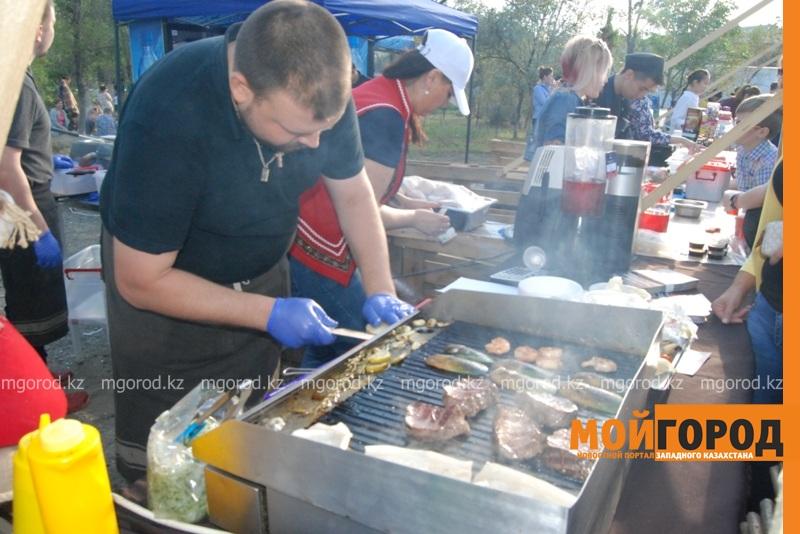 Новости Атырау - Жареное мороженое ели гости Фестиваля еды в Атырау DSC_1558