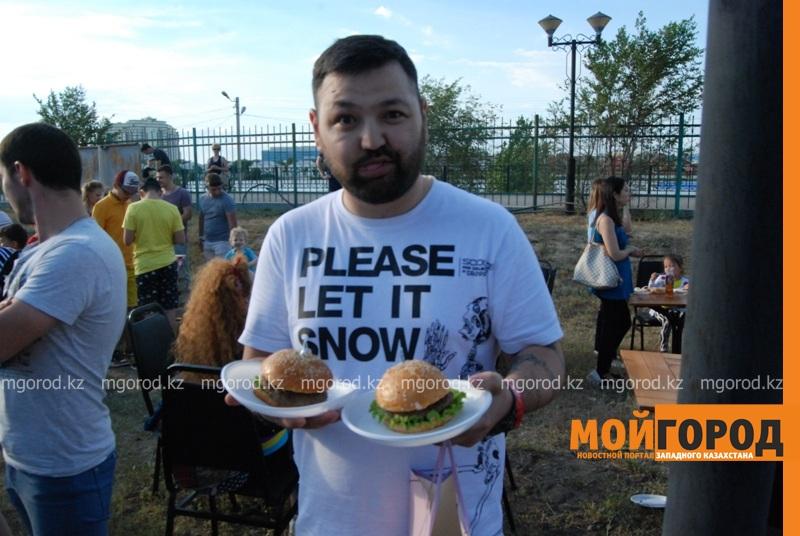 Новости Атырау - Жареное мороженое ели гости Фестиваля еды в Атырау DSC_1560