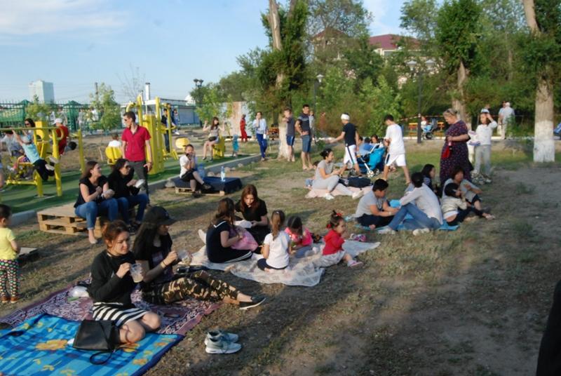 Новости Атырау - Жареное мороженое ели гости Фестиваля еды в Атырау DSC_1563
