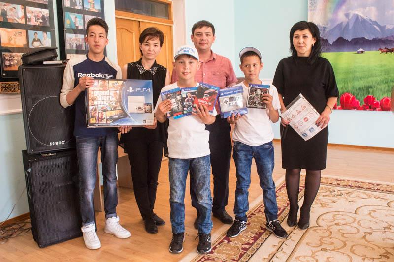 Новости - Компания «Toyota Центр Уральск» поздравила детей-сирот из детской деревни Ф2-Тойота центр 02.06.17