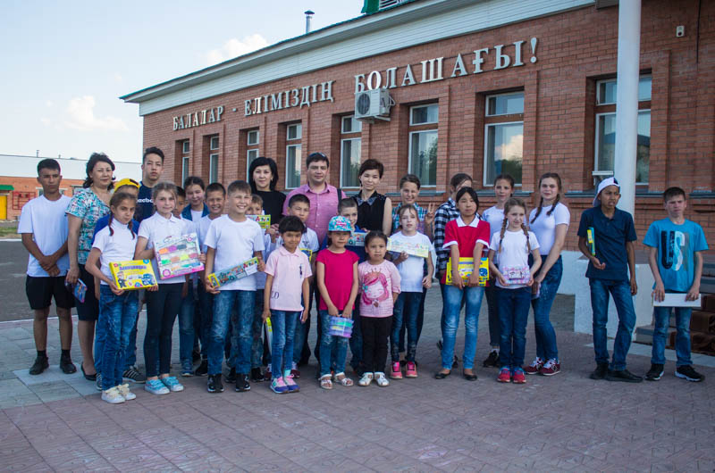 Новости - Компания «Toyota Центр Уральск» поздравила детей-сирот из детской деревни Ф6-Тойота центр 02.06.17