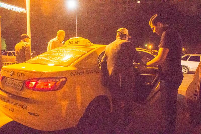 Новости Уральск - «Такси CITY» отвозит верующих Уральска домой после ночного намаза IMG_3624
