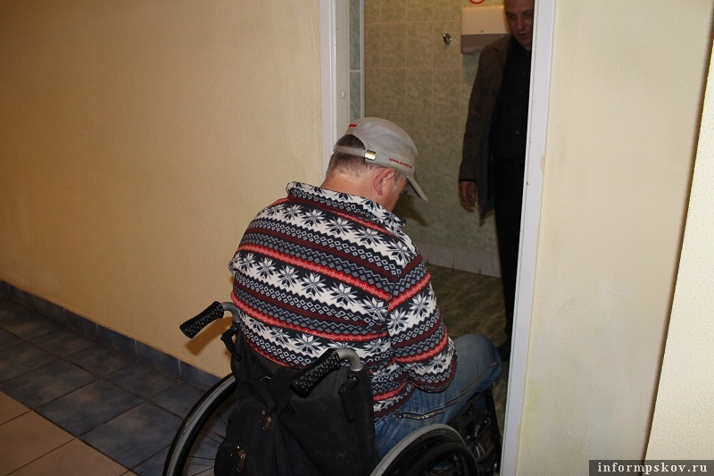 Новости Атырау - В Атырау прокуроры помогли вернуть недееспособному инвалиду квартиру Иллюстративное фото с сайта inforinformpskov.ru