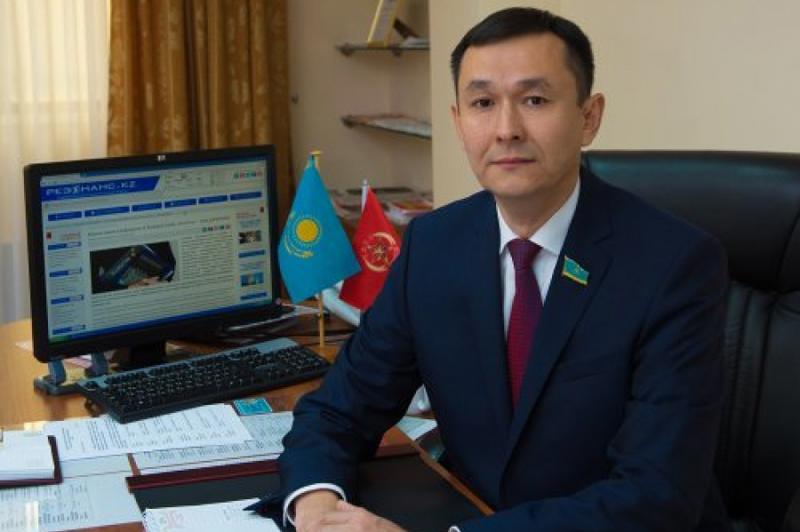 Новости Уральск - КНПК ориентируется в развитии коммунистического движения в Казахстане на Китай - секретарь ЦК КНПК Айкын Ойратович