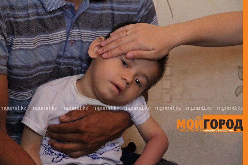 Родители больного ДЦП ребенка благодарят уральцев за помощь malchik dcp (4)