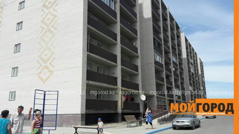 Новости Атырау - В Атырау воры оставили три подъезда многоэтажки  без лифтов PicsArt_07-25-03.35.30