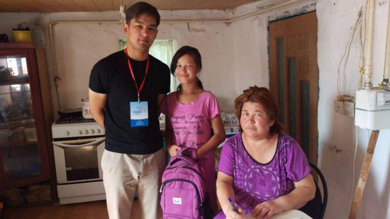 Новости Атырау - Волонтеры Атырау просят помочь собрать детей в школу 20901649_469224126783510_1128075405237264393_o