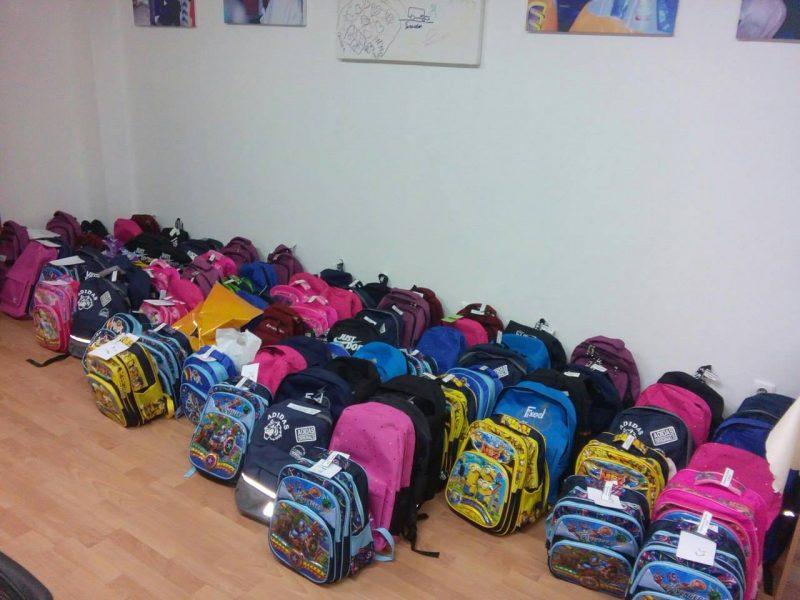 Новости Атырау - Волонтеры Атырау просят помочь собрать детей в школу 21015798_469224133450176_7592709045030378202_o