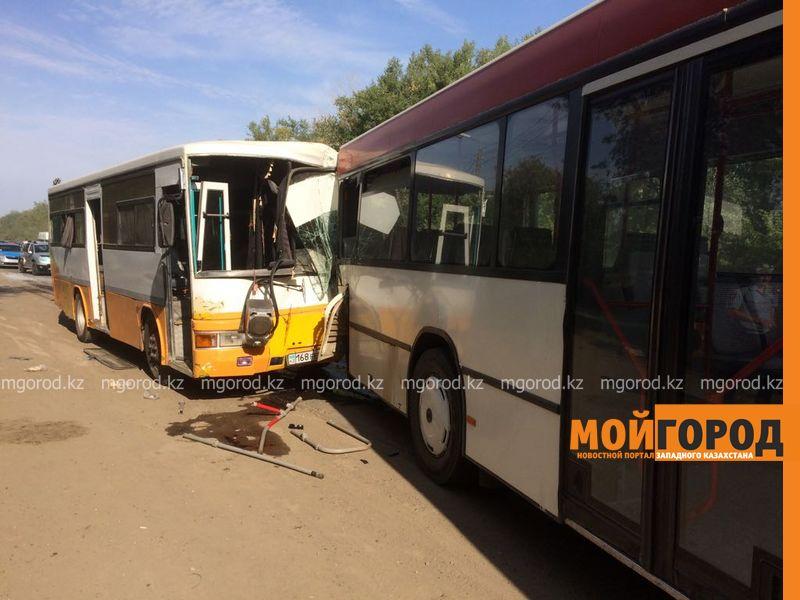 ДТП пассажирских автобусов в Уральске: в панике люди выпрыгивали из окон автобуса autobus (8)