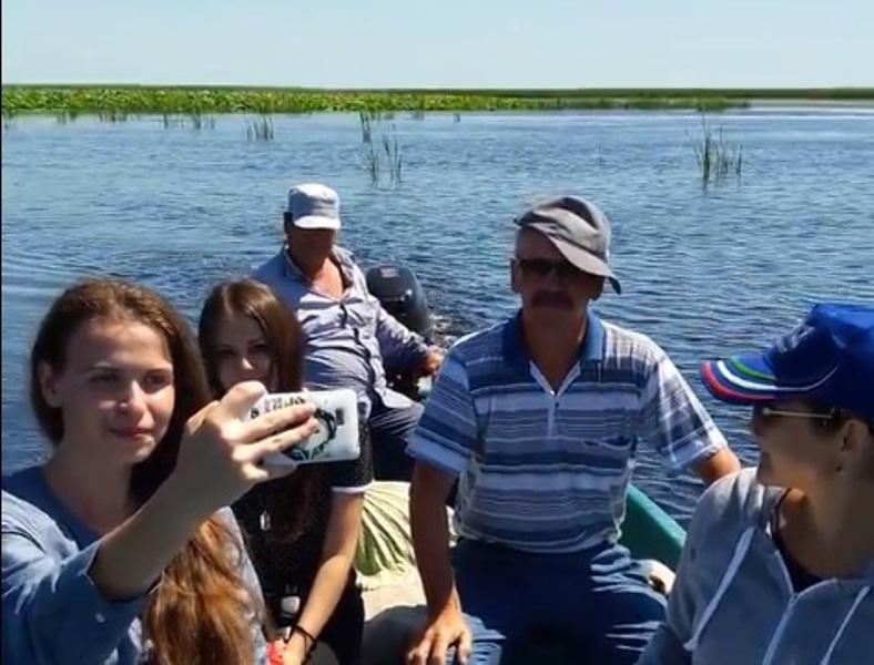 Новости Атырау - В Атырауской области из-за жары рано расцвел лотос (Видео) FB_IMG_1501151452574