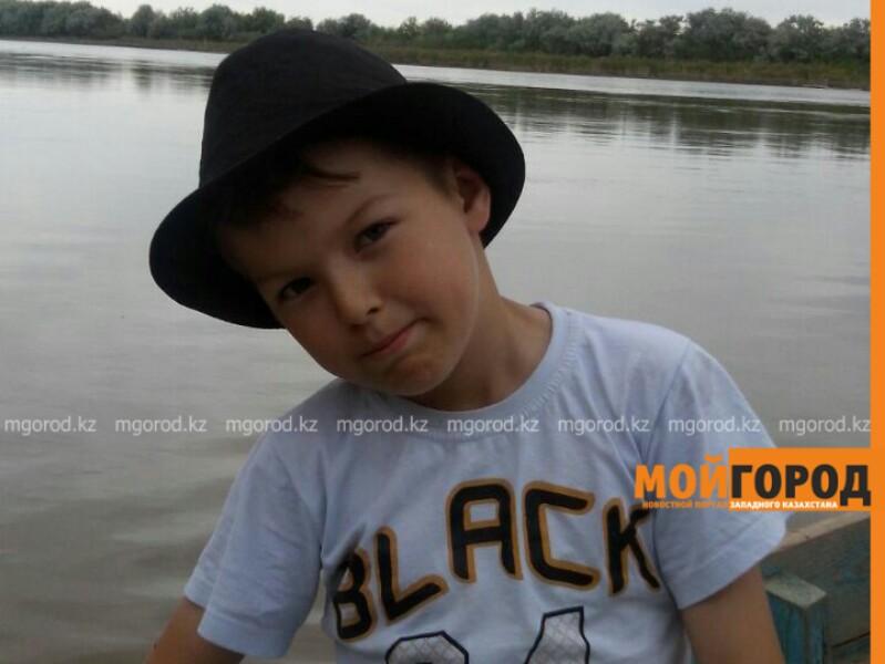 Новости Атырау - В Атырау семье больного мальчика требуются деньги на поездку в Астану photo (1)