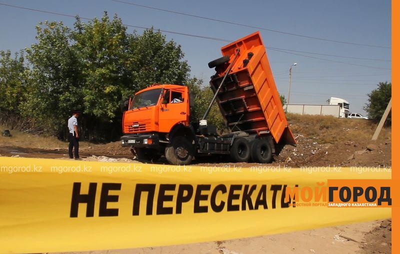 """Током убило водителя """"КамАЗа"""" в Уральске pozhar kamaz (2)"""