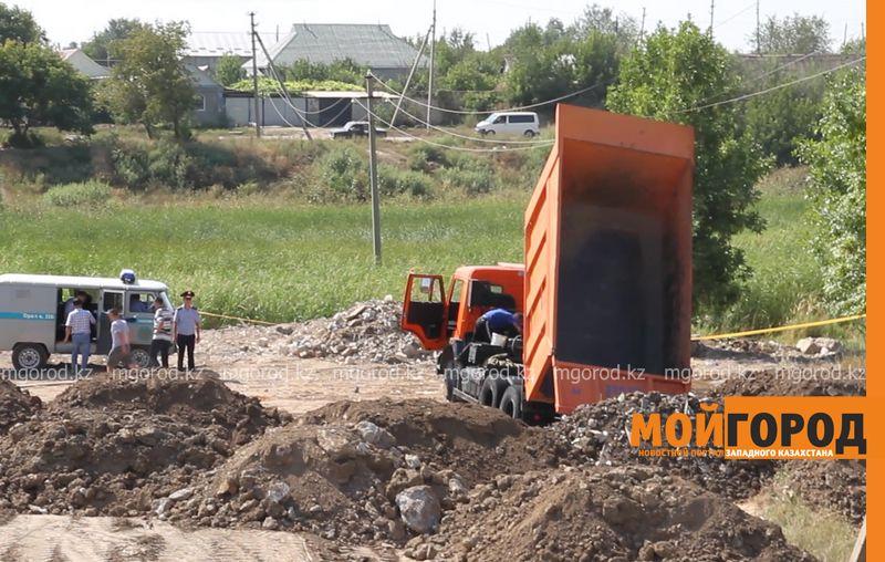 """Током убило водителя """"КамАЗа"""" в Уральске pozhar kamaz (7)"""