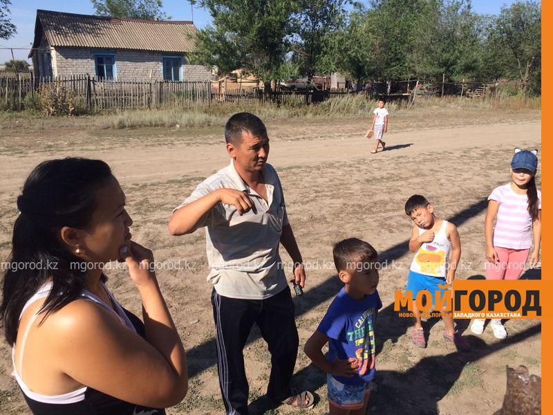 Новости Уральск - Жители поселка ЗКО вынуждены пить грязную воду из колодца voda (2)