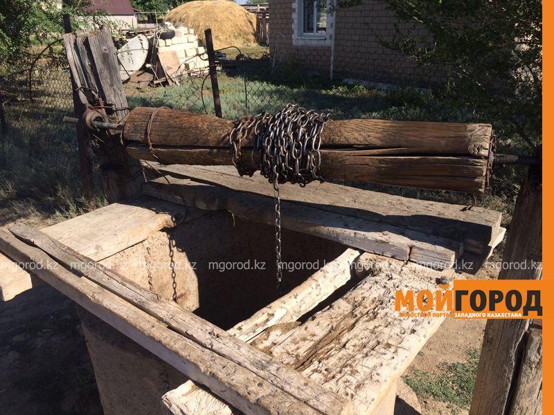 Новости Уральск - Жители поселка ЗКО вынуждены пить грязную воду из колодца voda (3)