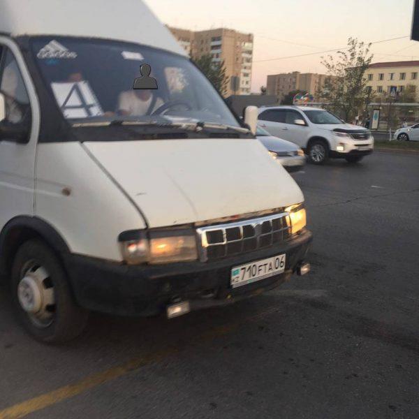 Новости Атырау - В Атырау кондукторы массово выгоняют школьников из автобусов