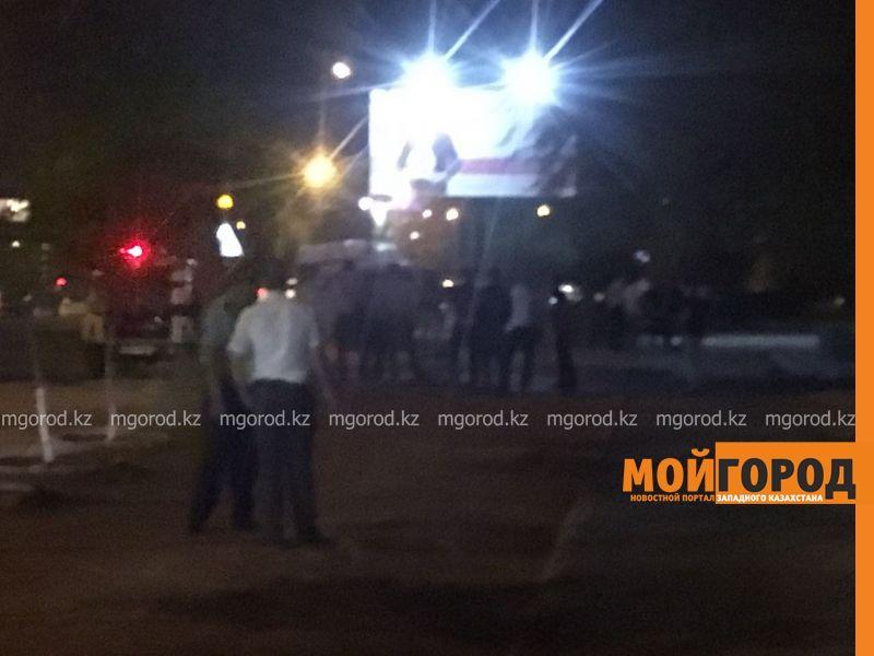 Новости Актау - В Актау мужчина разгуливал с учебной гранатой (видео)