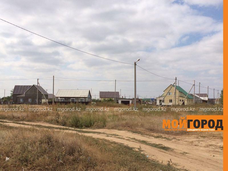 Новости Уральск - Жители пригорода Уральска просят отремонтировать дорогу