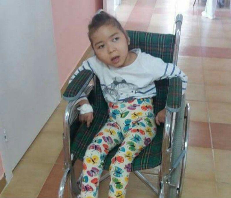 Новости Атырау - В Атырау мама 6-летней Амангуль мечтает поставить дочку на ноги