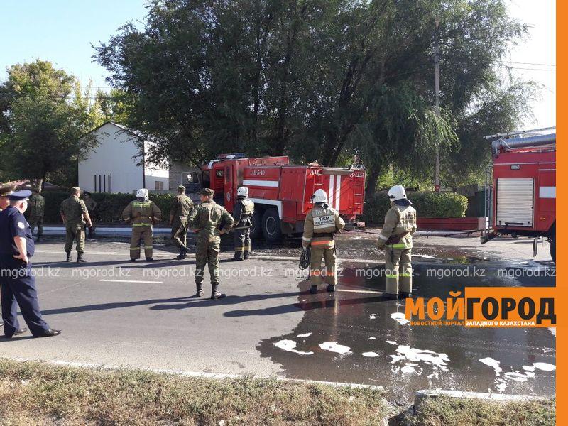 Новости Уральск - Ехавшая на вызов пожарная машина перевернулась в Уральске