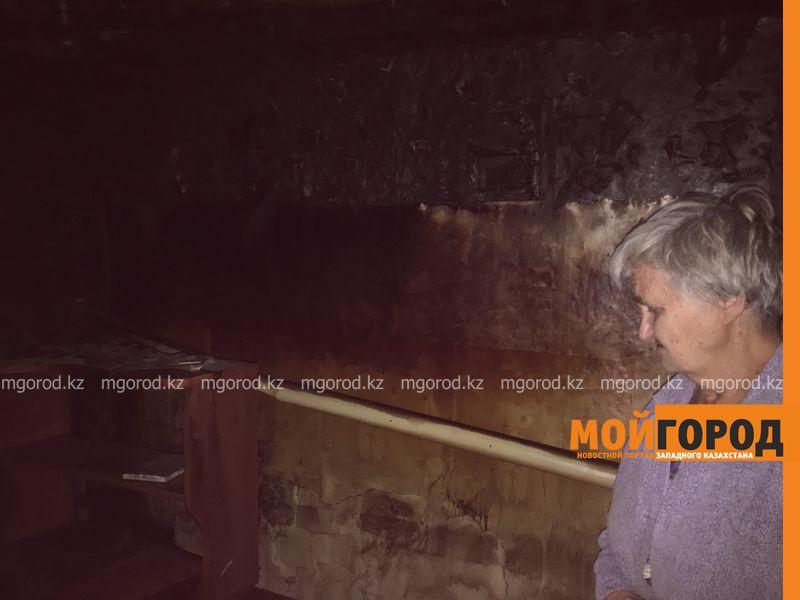 Новости Уральск - Пенсионерка, оставшаяся с двумя внуками на улице после пожара, не дождалась помощи от властей Уральска