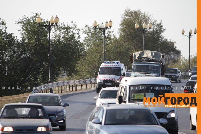 Новости Уральск - В Уральске водители неохотно пропускают скорую помощь