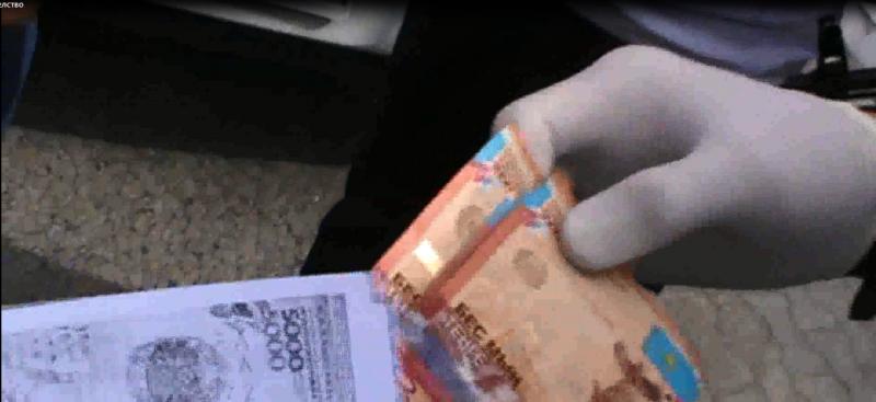 Новости Атырау - В Атырау мошенник вымогал у местного жителя более 1 миллиона тенге