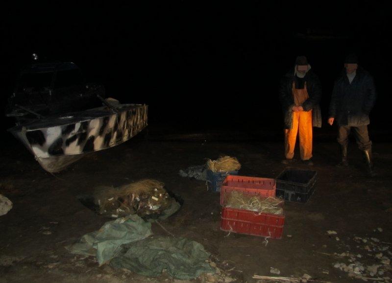 Новости Атырау - 30 местных жителей напали на двоих пограничников в Атырау