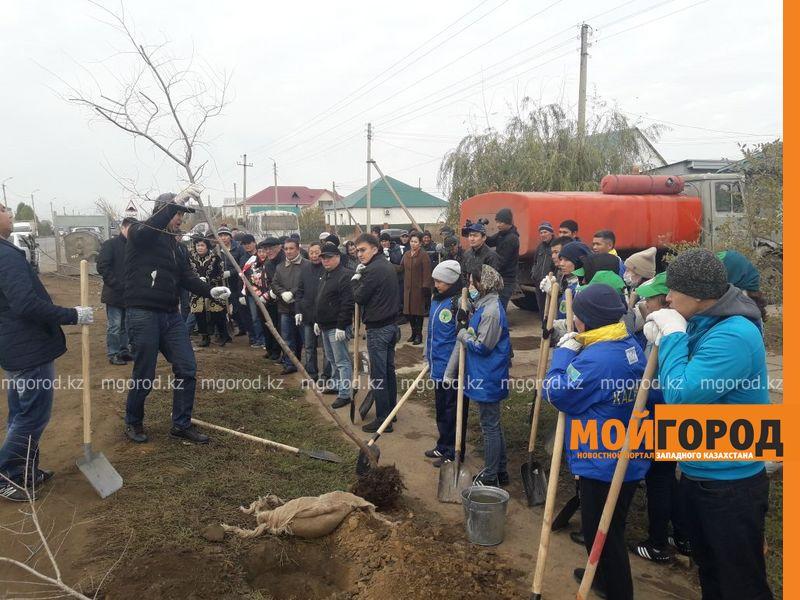 Новости Уральск - В Уральске прошел общегородской субботник