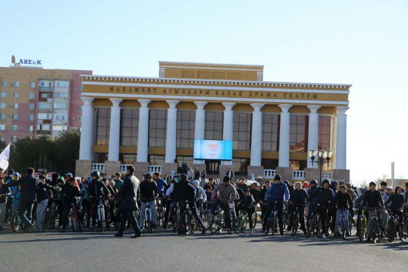 Новости Атырау - Массовый велопробег ко Дню города прошел в Атырау
