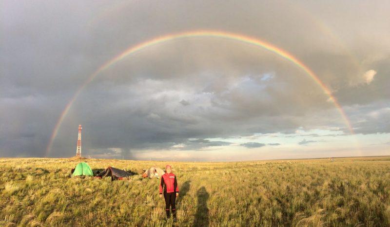 Новости Атырау - Жительница Атырау путешествует по Казахстану на велосипеде и автостопом