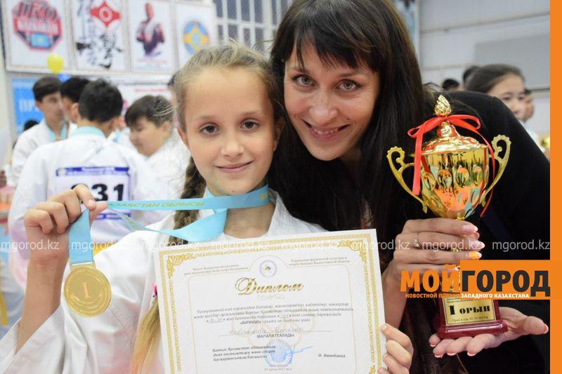 Новости Уральск - 21 золотую медаль завоевали юные каратисты ЗКО
