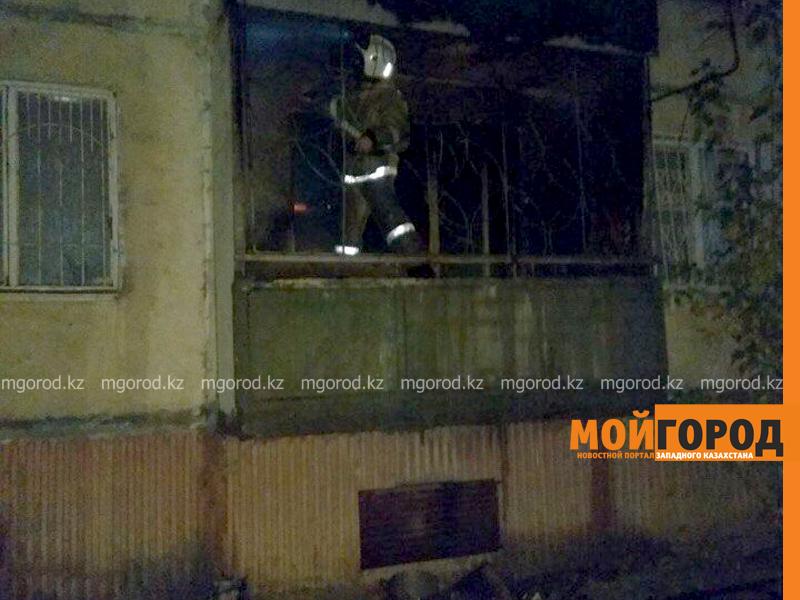 Новости Уральск - Мужчина отравился угарным газом в пожаре многоэтажки в Уральске