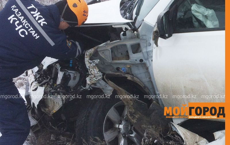 Новости Уральск - Три человека погибли при опрокидывании автомобиля в ЗКО