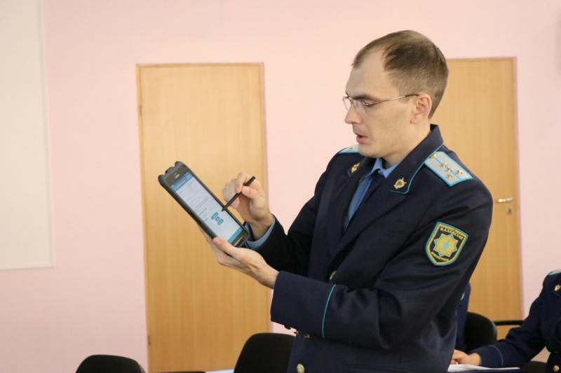 Новости Атырау - В Атырау штрафы будут оформлять при помощи планшета