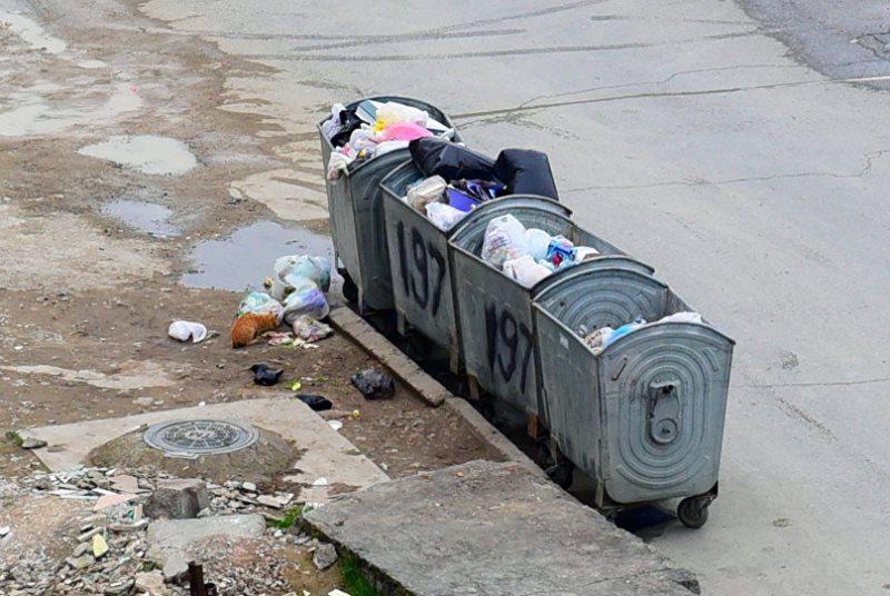 Новости Атырау - Новорожденного ребенка нашли в мусорном баке в Атырау